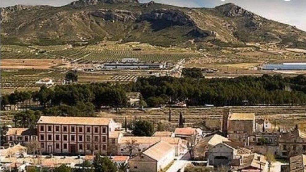 Aldea de Alicante en venta en Wallapop con palacio y casino