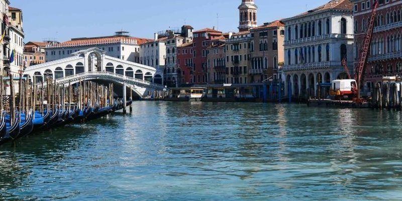 Los canales de Venecia por la reducción del tráfico marítimo