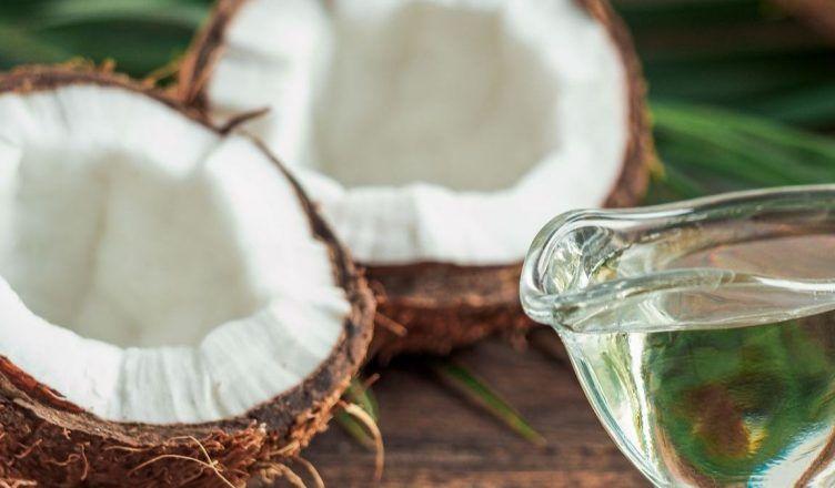 Cuáles son los mejores aceites vegetales para cuidar el pelo seco