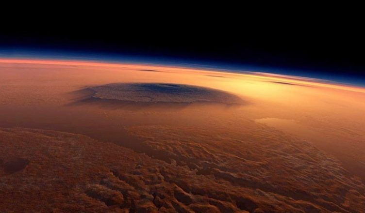 Así es la nube alargada de Marte que mantiene en vilo a los científicos