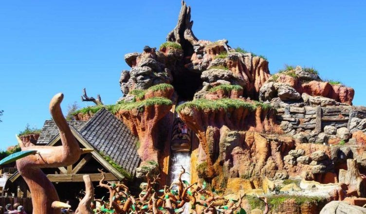Se hunde una atracción de Disney World con pasajeros dentro