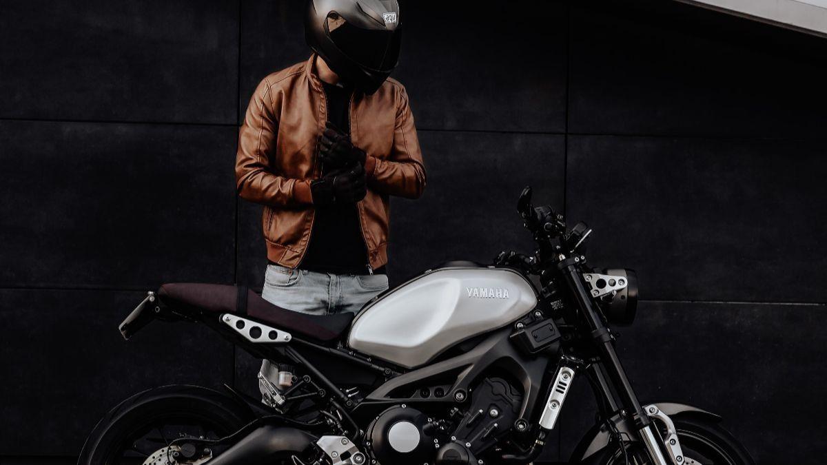 Los conductores de motos de gran cilindrada tendrán que llevar airbag